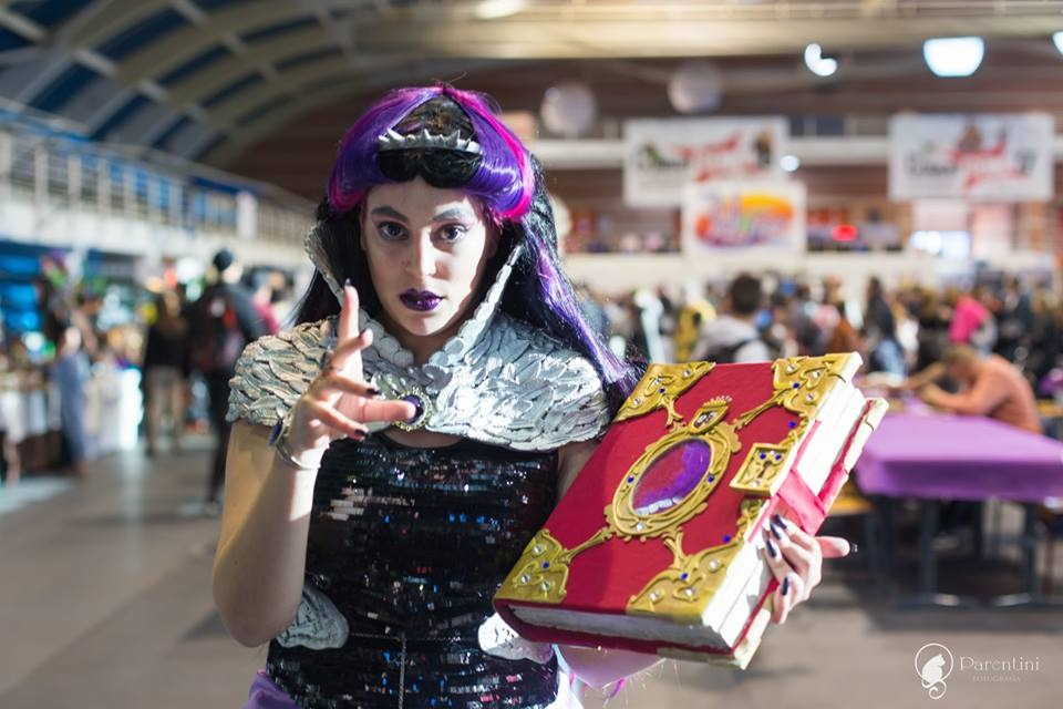 Mokona Cosplay Raven Queen